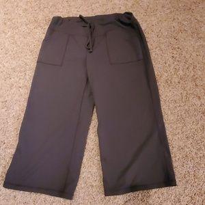 Zella wide legged capri yoga pants